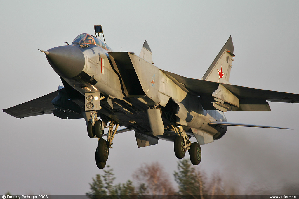 http://www.airforce.ru/content/attachments/51844-37560d1333310811-dp_mig-31_01_1024.jpg