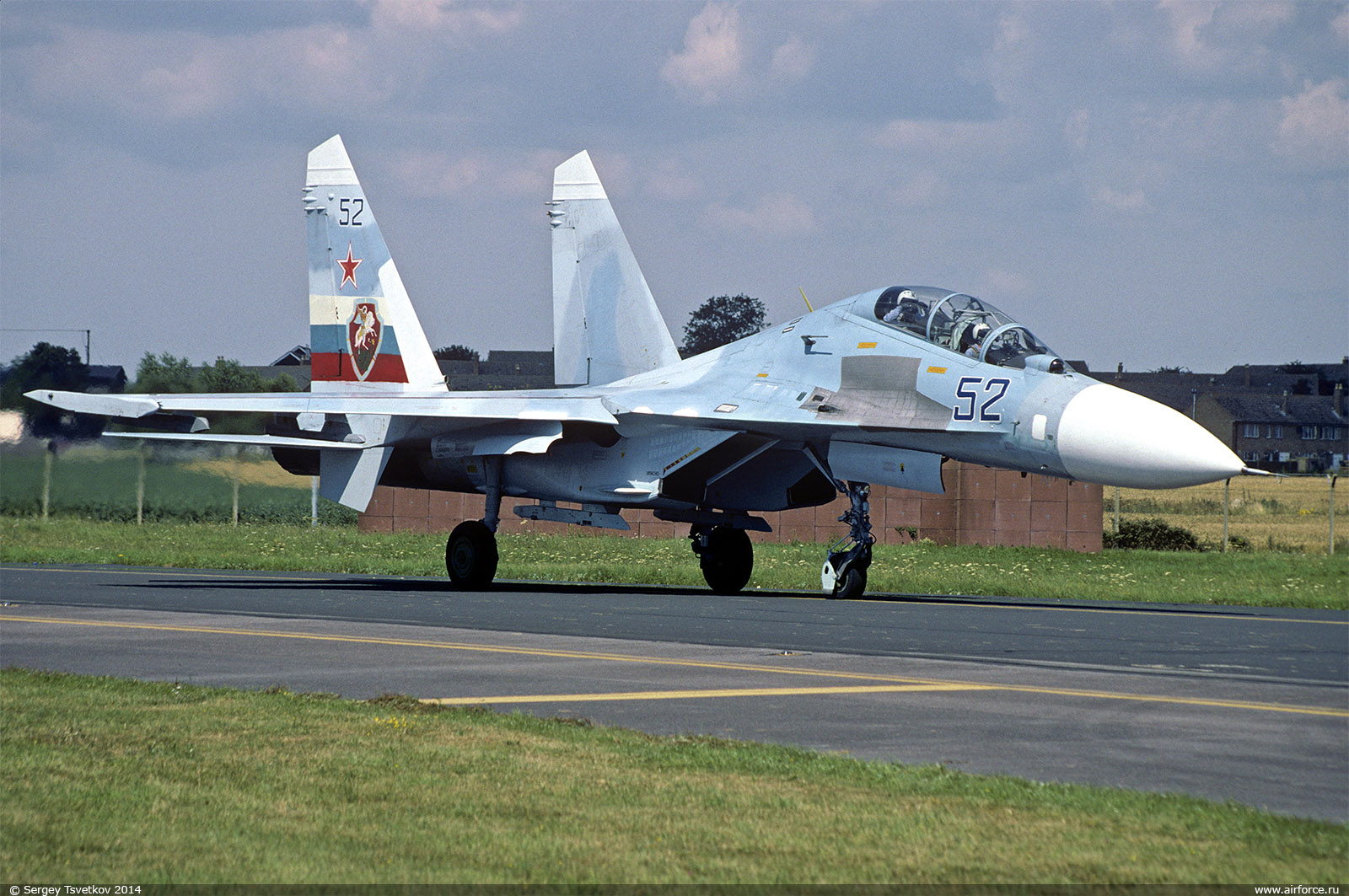 http://www.airforce.ru/content/attachments/60200d1418581297-s_tsvetkov_su-27ub_52_1600.jpg