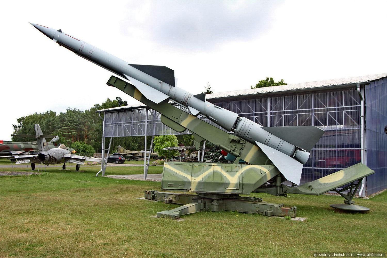 вооружение ПВО - пусковая установка С-75
