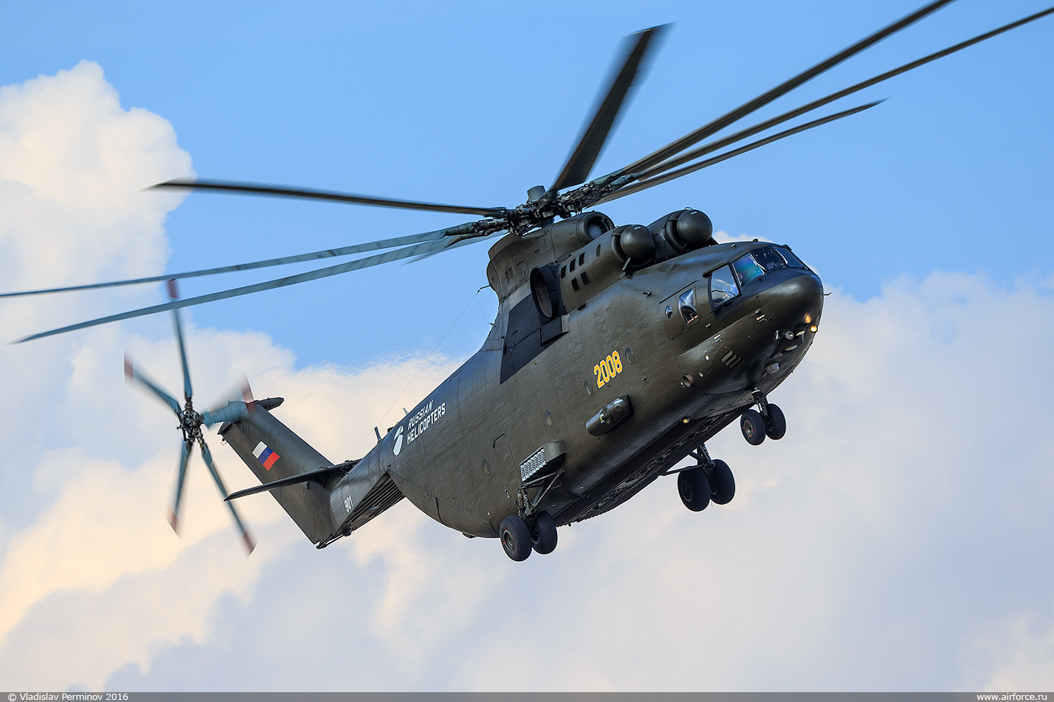 http://www.airforce.ru/content/attachments/68716-v-perminov-mi-26t2-901-1500.jpg