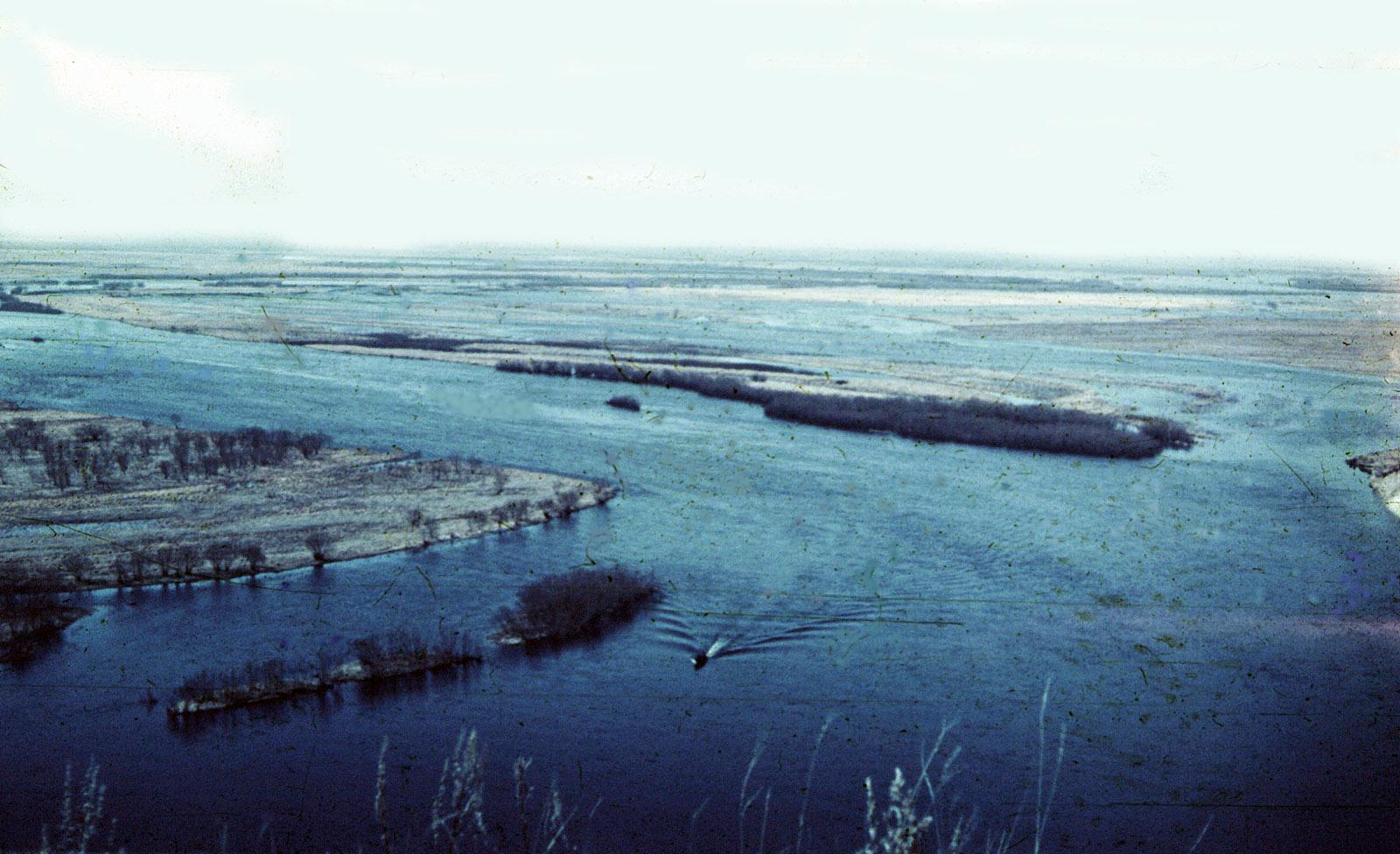 Река Томь в районе Белогорска