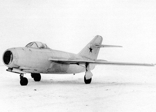 米格-15战斗机 ―― 抗美援朝,痛击美国空军