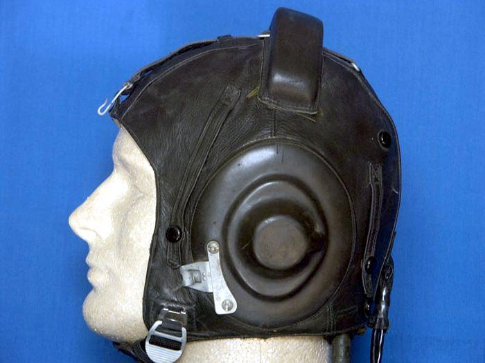 http://www.airforce.ru/information/files/uniform/helmets/helmets_4.jpg