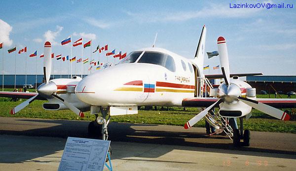 http://www.airforce.ru/show/maks99/lazinkov/MAKS1999_T-440_01.jpg