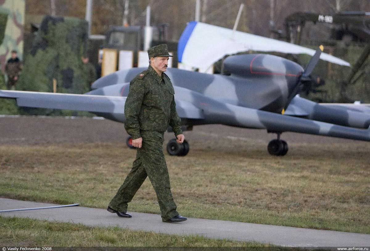 http://www.airforce.ru/show/osen2008/BELARUS--Belarussian_Presid01.jpg